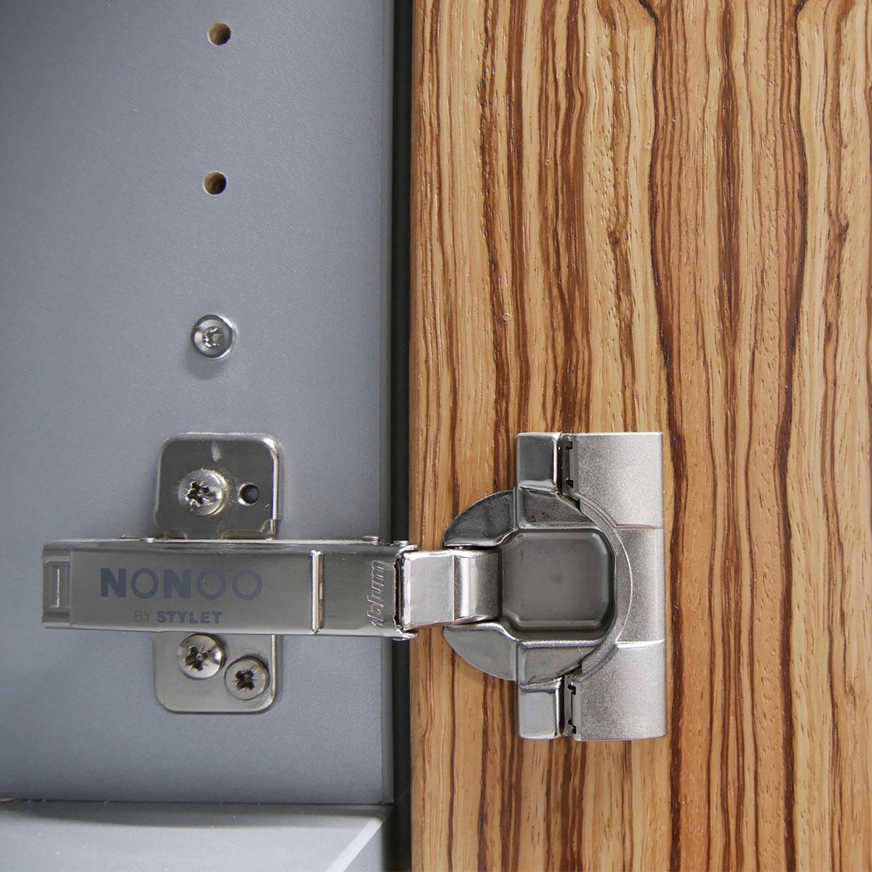 Detail Scharnier Zebrano van een NoNoo kastdeur